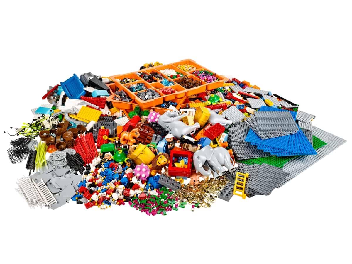 lego 2000430 serious play suprava s krajinou a postavami